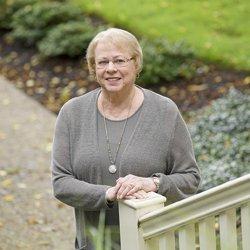 Lynn Groves